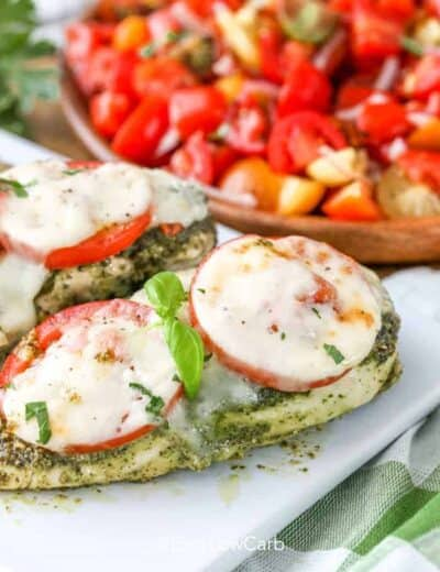 Pesto Chicken with tomatoes and cheese