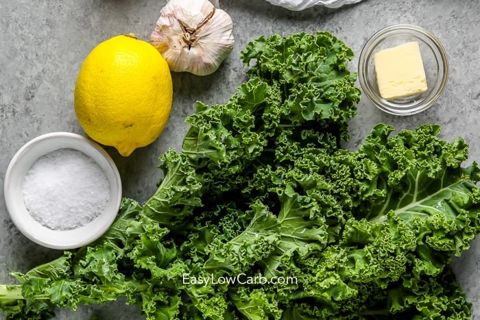 ingredients to make sauteed kale with garlic and lemon